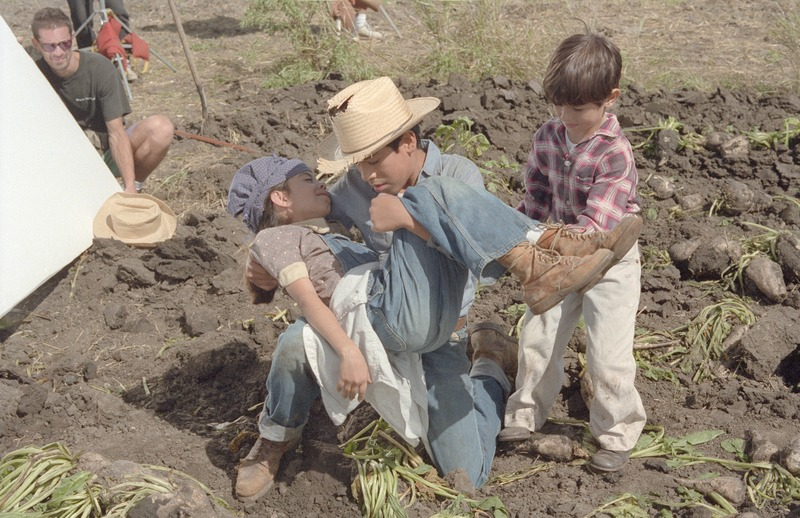 Flming the scene where Marcos&amp;#039;s sister collapses in the sugar beet field. &lt;br /&gt;<br />